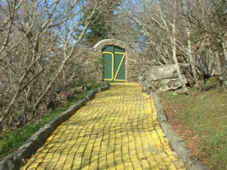 Land Of Oz Theme Park At Emerald Mountain Properties And Vacation Als